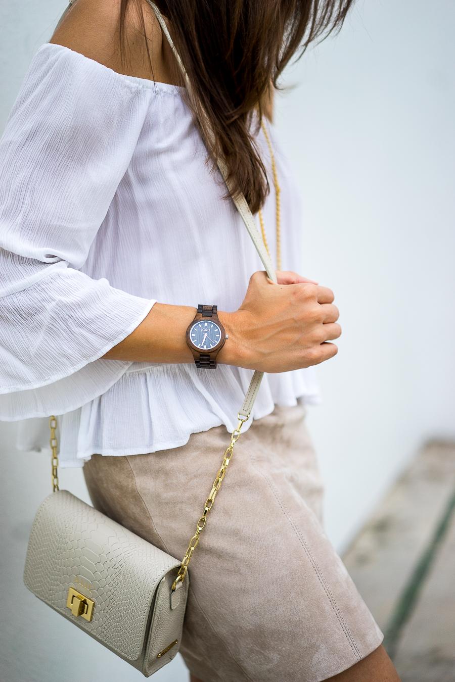 A Glam Lifestyle fashion blogger collaborates with JORD wood watch wearing JORD Fieldcrest dark sandalwood wood watch