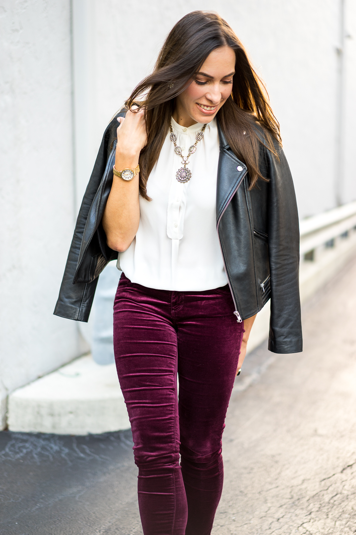 Shoes to wear with leggings. The key to making a look with leggings work is to choose the right shoe. Knee-high boots are always a great option, as they cover up the ankle line and make your leg look lean and long. Booties can work as well, as long as the leggings stay within the shoe.