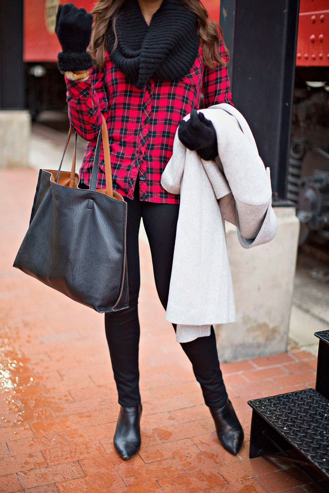 casual christmas outfit - buffalo plaid shirt - a glam lifestyle