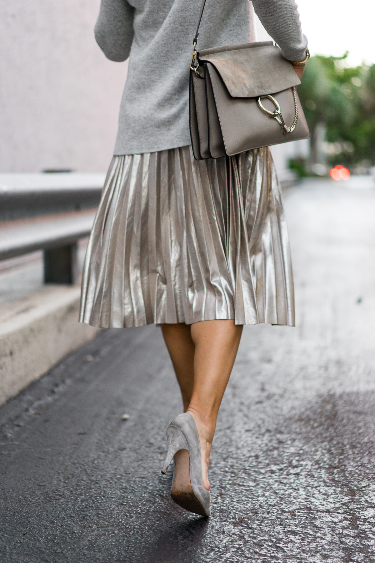 how to wear metallic skirt