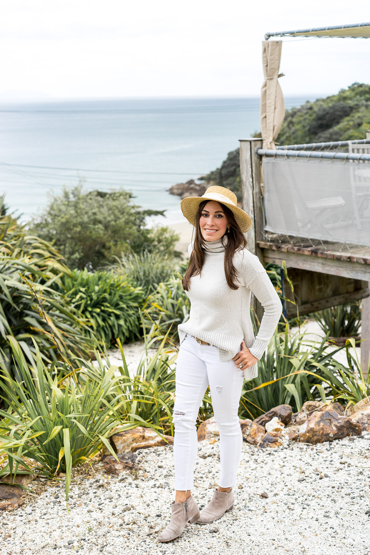 Blogger Amanda from A Glam Lifestyle shares her Waikeke Island itinerary including her stay at the Boatshed boutique hotel