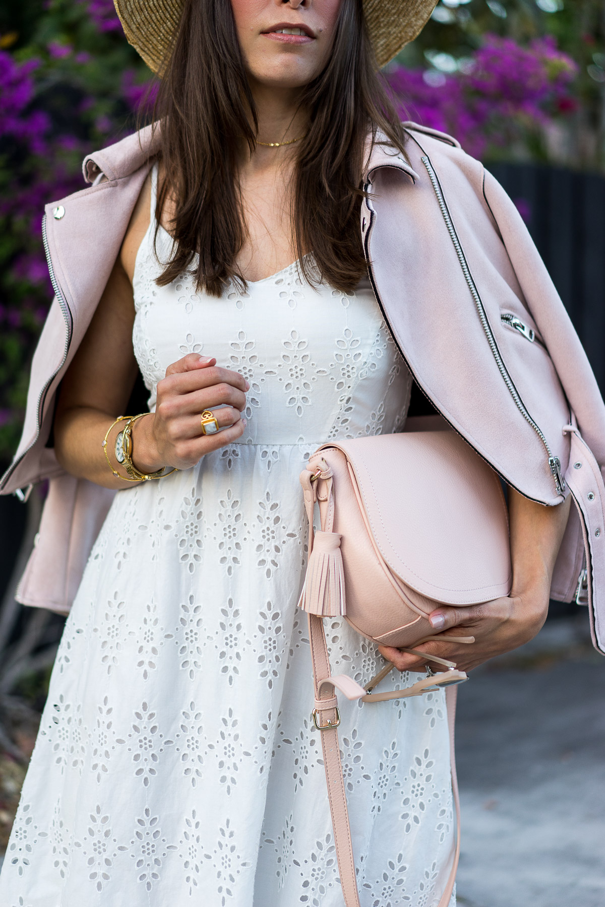 A Glam Lifestyle blogger styles Old Navy midi dress with blush saddle bag to #SayHi to Spring