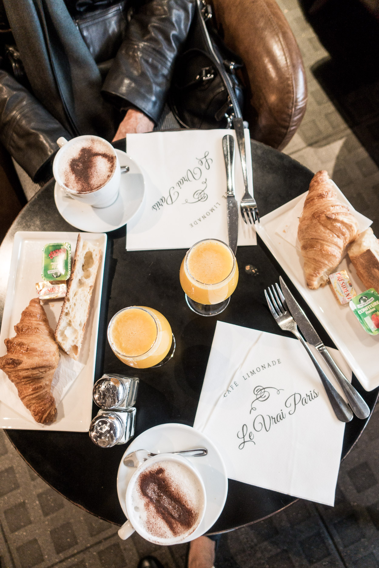 AGlamLifestyle blogger Amanda recommends Le Vrai Paris as one of the best places to eat in Montmartre for breakfast