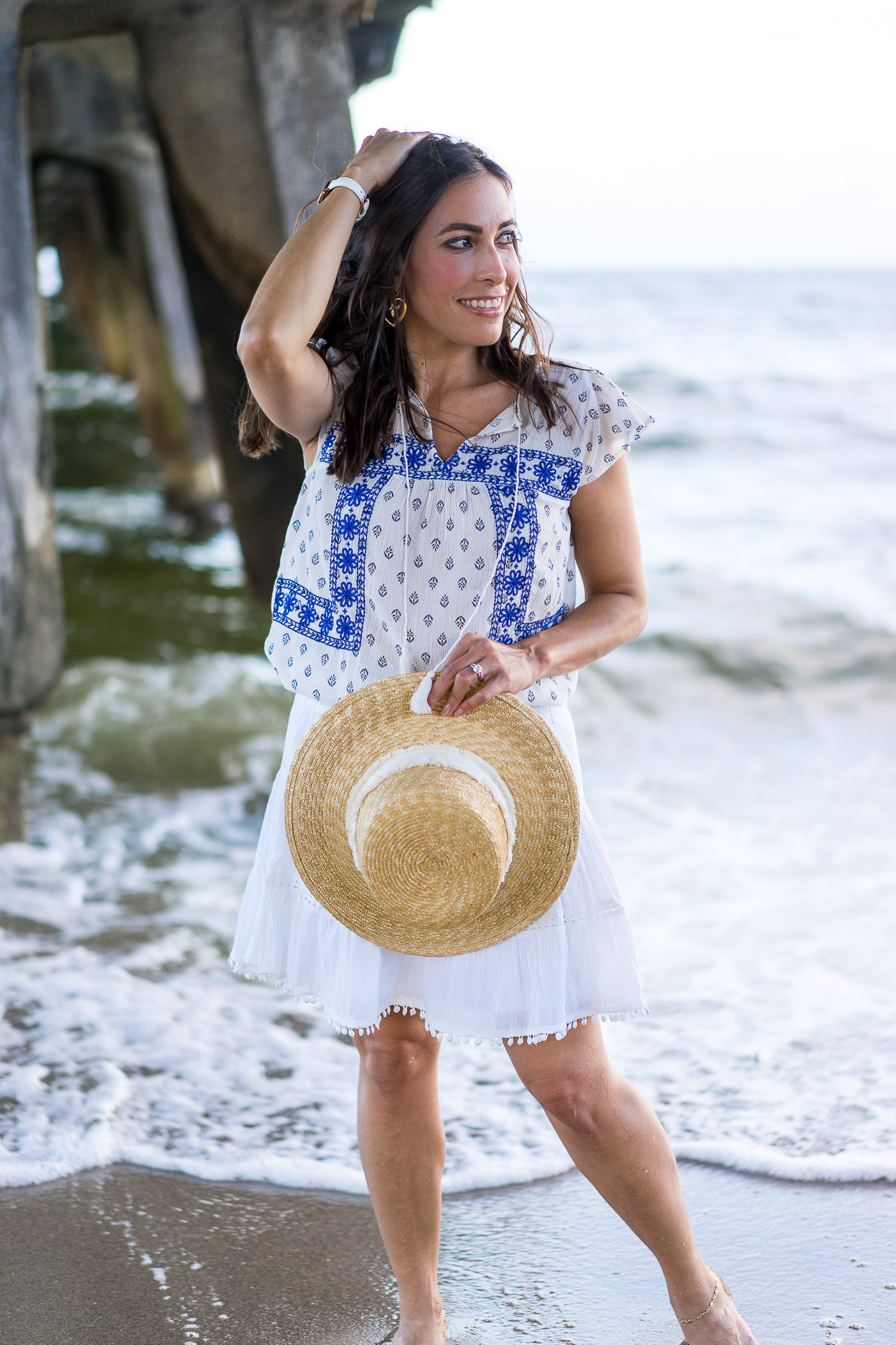 2eec44e0 ... Amanda from A Glam Lifestyle picks her Old Navy Summer favorites which  include white pom pom ...