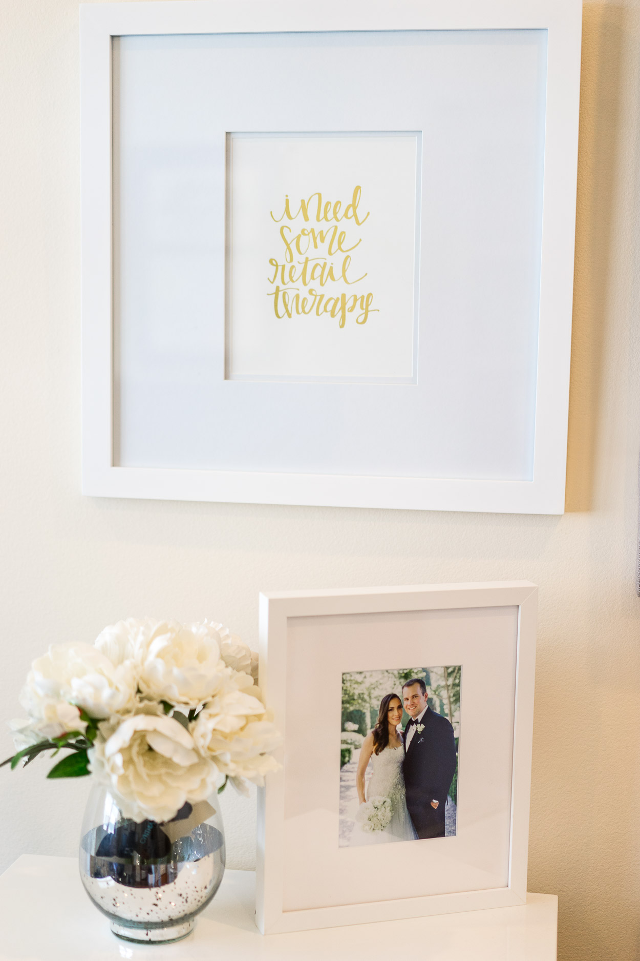 The Chloe wedding frame from Framebridge styled by fashion blogger Amanda of A Glam Lifestyle