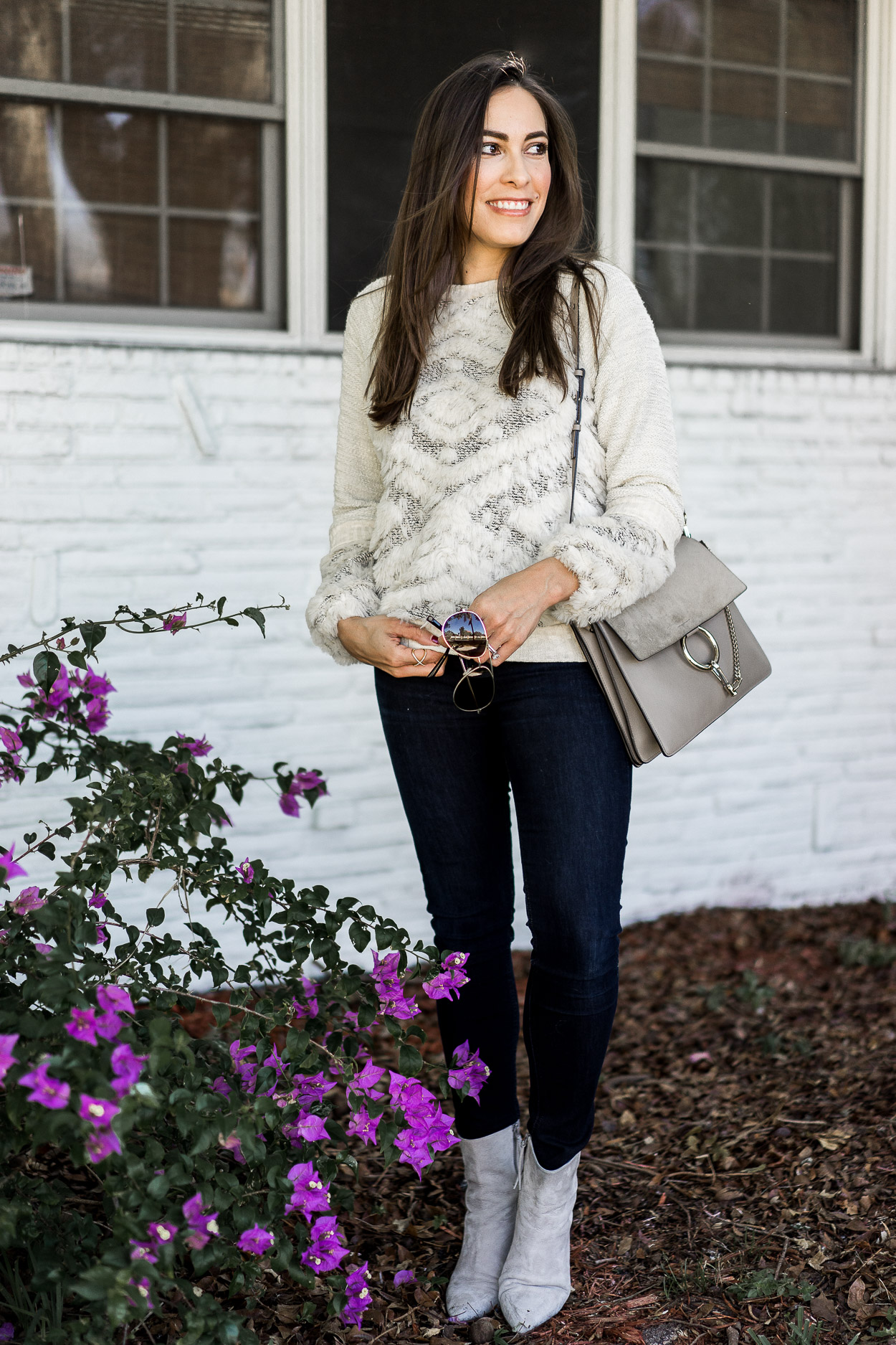 Easy way to style cozy sweaters with dark denim and Chloe Faye bag a la fashion blogger Amanda of A Glam Lifestyle