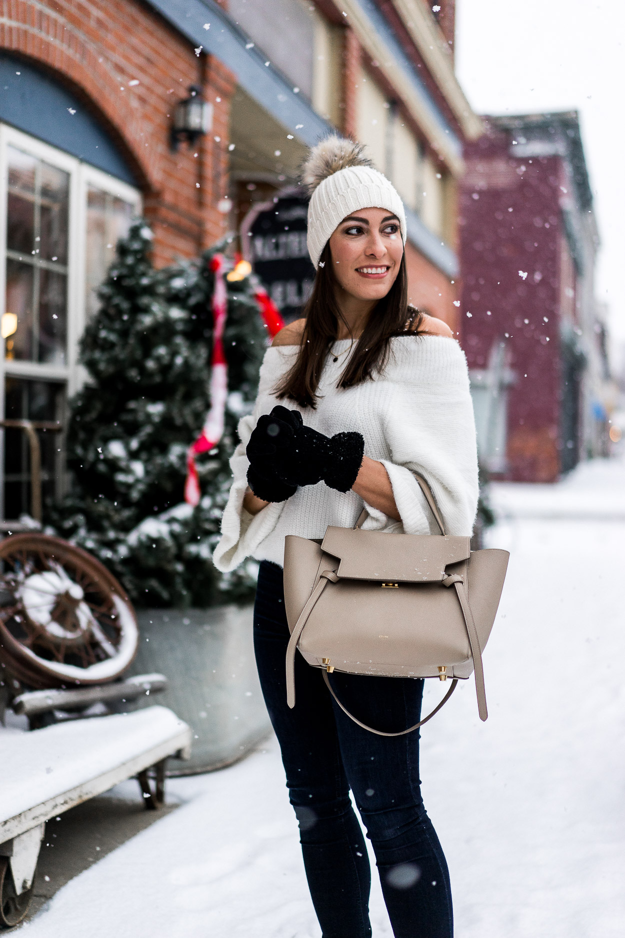 Cozy sweaters make for a great date night outfit a la Amanda of A Glam Lifestyle blog in white Chicwish sweater