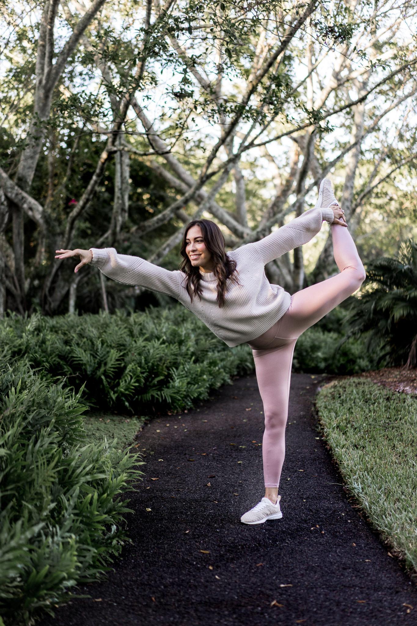 547f5774e0b8 athleta-leggings-athleta-outfits-elation-shimmer-tight -wool-cashmere-lucca-sweater-aglamlifestyle-athleisure-style-4